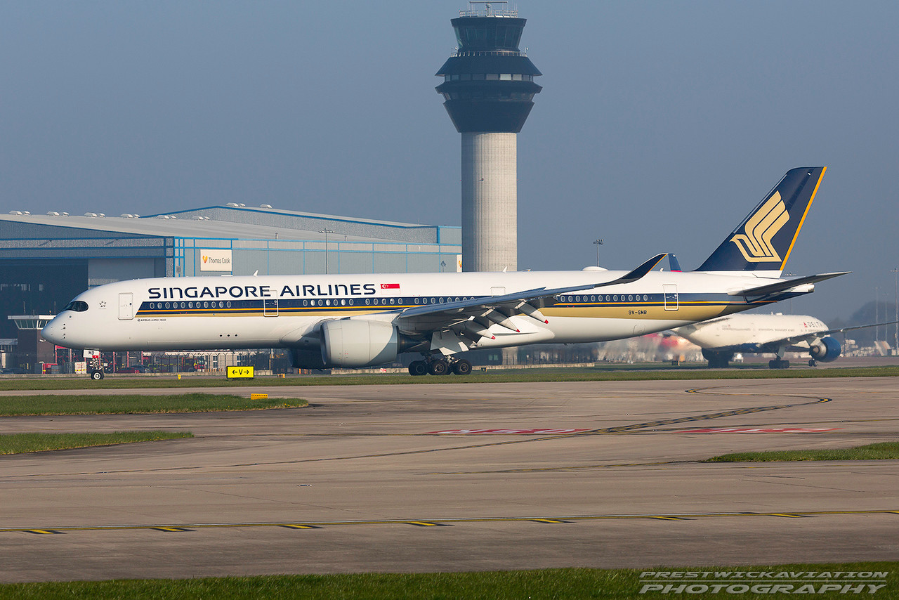 9V-SMB. Airbus A350-941. Singapore Airlines. Manchester. 080417.