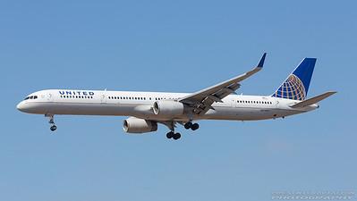 N57855. Boeing 757-33N(WL). United. Los Angeles. 180917.