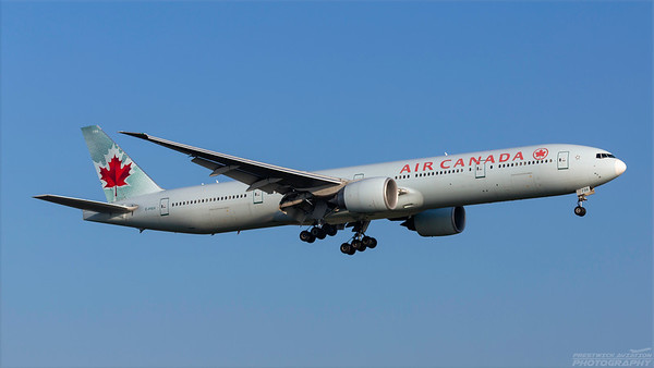 C-FIUV. Boeing 777-333(ER). Air Canada. Heathrow. 101018.