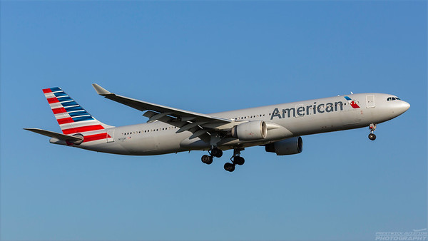 N272AY. Airbus A330-323. American. Heathrow. 101018.