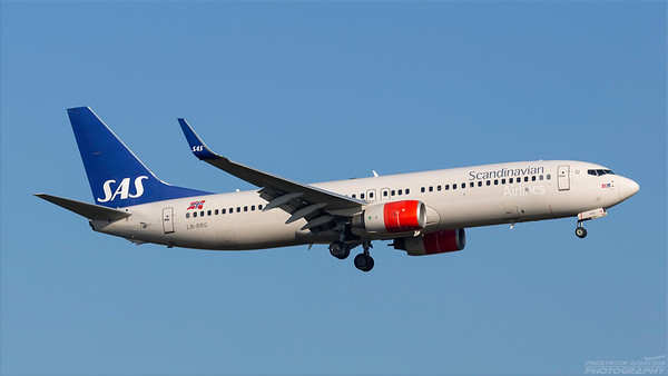 LN-RRG. Boeing 737-85P. SAS. Heathrow. 101018.