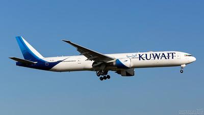 9K-AOE. Boeing 777-369(ER). Kuwait Airways. Heathrow. 101018.