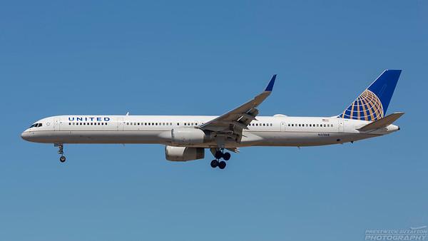 N57868. Boeing 757-33N. United. Los Angeles. 140918.