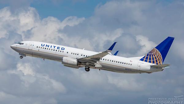 N37273. Boeing 737-824. United. Los Angeles. 240318.