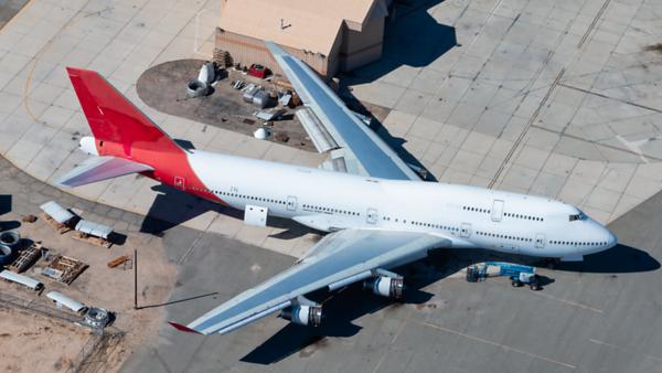 VH-OJN. Boeing 747-438. Qantas. Victorville. 240519.