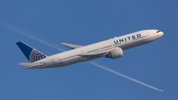 N77006. Boeing 777-224(ER). United. Heathrow. 240219.