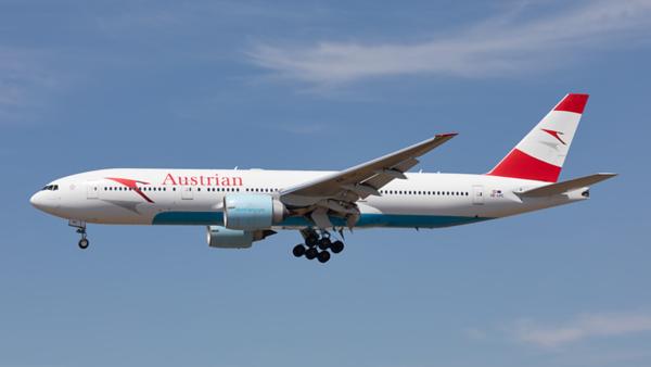 OE-LPC. Boeing 777-2Z9(ER). Austrian Airlines. Los Angeles. 140919.