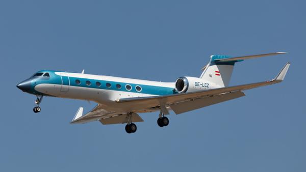OE-LCZ. Gulfstream G550. Private. Los Angeles. 170919.