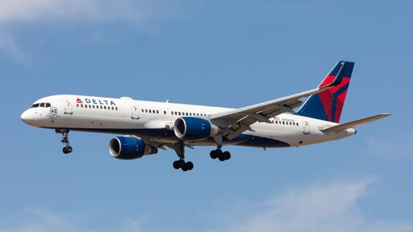 N702TW. Boeing 757-231. Delta. Los Angeles. 140919.