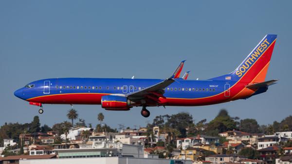 N8611F. Boeing 737-8H4). Southwest. San Diego. 290120.