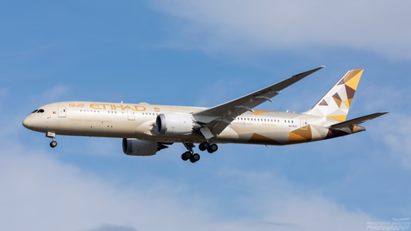 A6-BLD. Boeing 787-9 Dreamliner. Etihad Airways.  Heathrow. 091020.