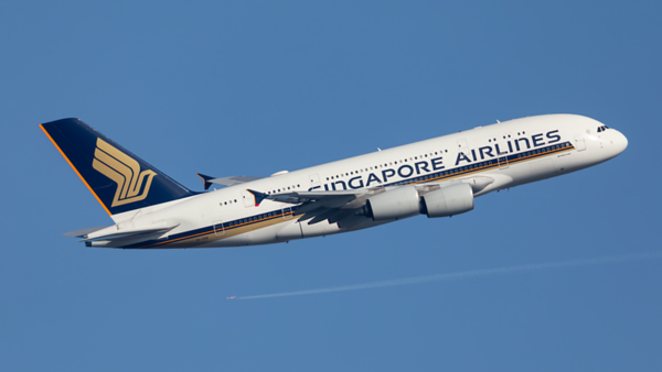 9V-SKW. Airbus A380-841. Singapore Airlines. Heathrow. 070220.