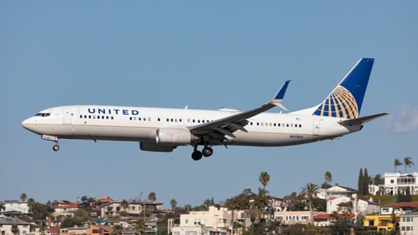 N62884. Boeing 737-924(ER). United. San Diego. 290120.