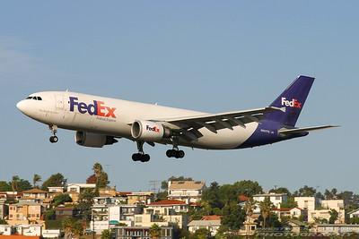 N667FE. Airbus A300F4-605R. FedEx. San Diego. 240905.