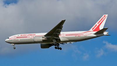 VT-AIJ. Boeing 777-337/ER. Air India. Heathrow. 291007.