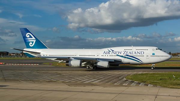 ZK-NBT. Boeing 747-419. Air New Zealand. Heathrow. 291007.