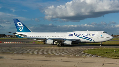 ZK-NBT. Boeing 747-419. Air New Zealand. Heathrow. 291007.