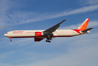 VT-ALT. Boeing 777-337/ER. Air India. Heathrow. 301010.