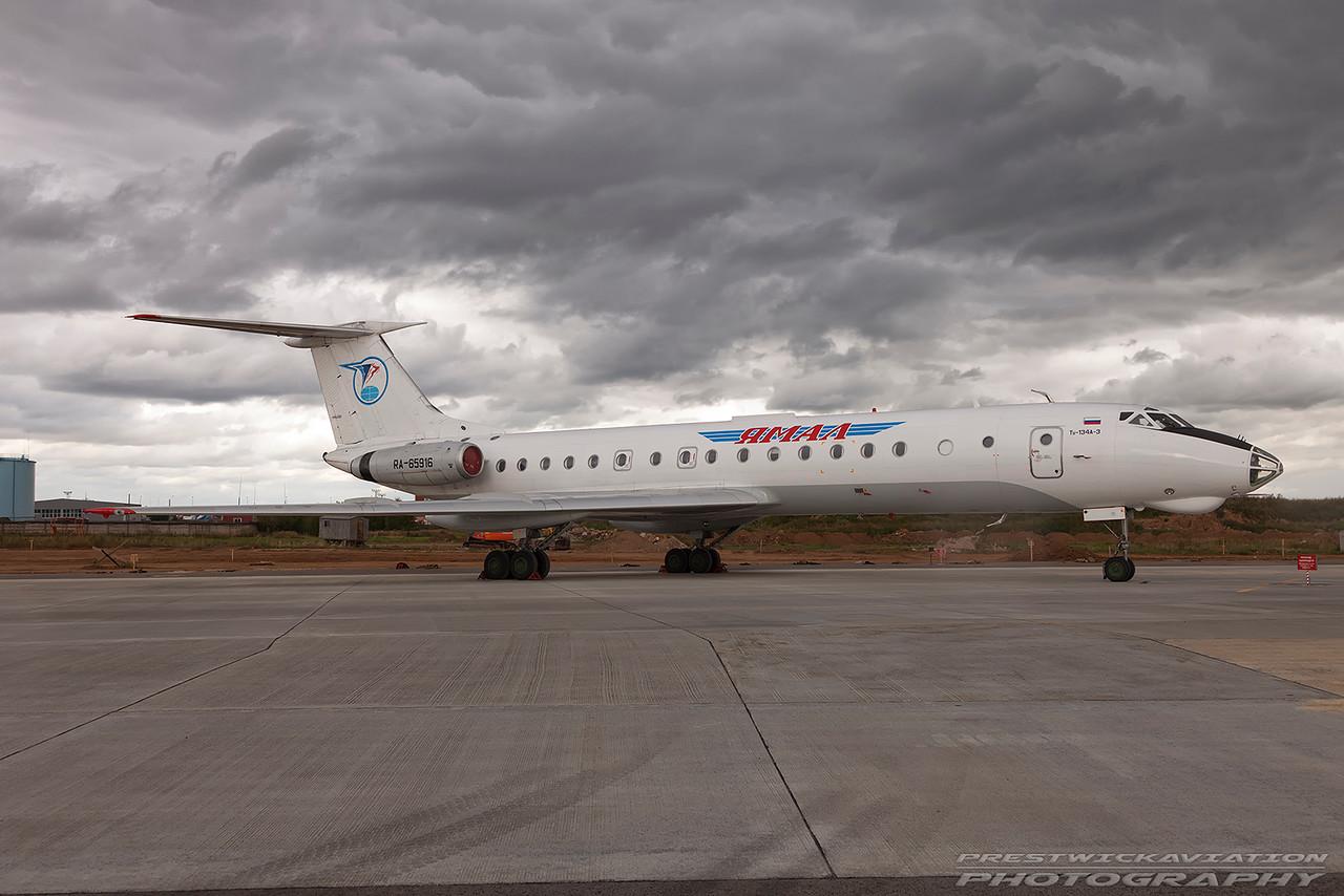 RA-65916. Tupolev Tu-134A-3. Yamal Airlines. Domodedovo. 200809.