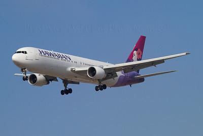 N582HA. Boeing 767-33A/ER. Hawaiian Air. Los Angeles. 210910.