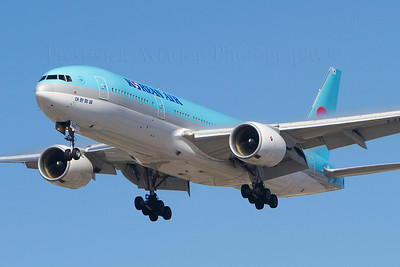 HL7526. Boeing 777-2B5/ER. Korean Airlines. Los Angeles. 150910.