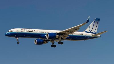 N544UA. Boeing 757-222. United Airlines. Los Angeles. 170910.