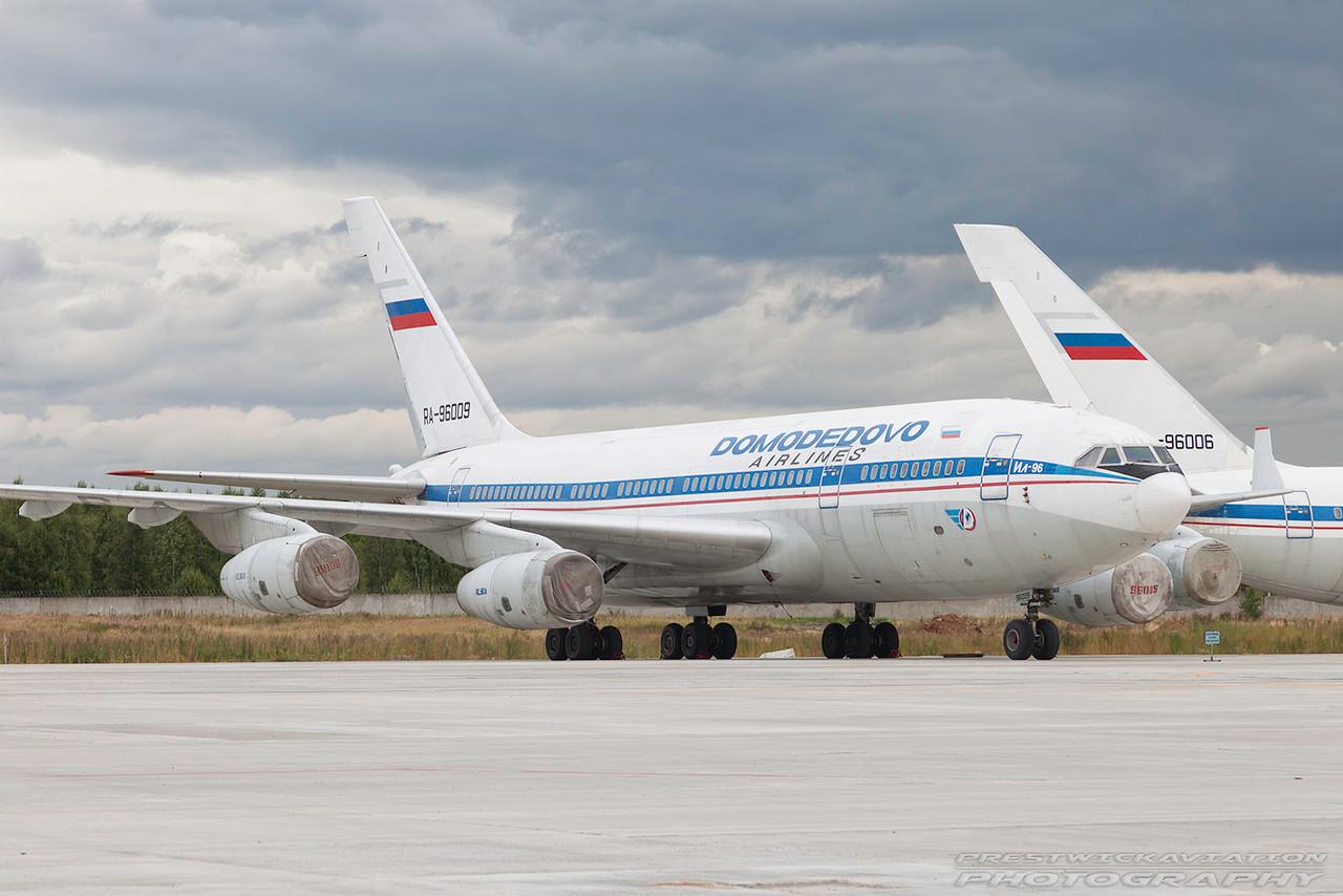 RA-96009. Ilyushin Il-96-300. Domodedovo Airlines. Domodedovo. 200909.