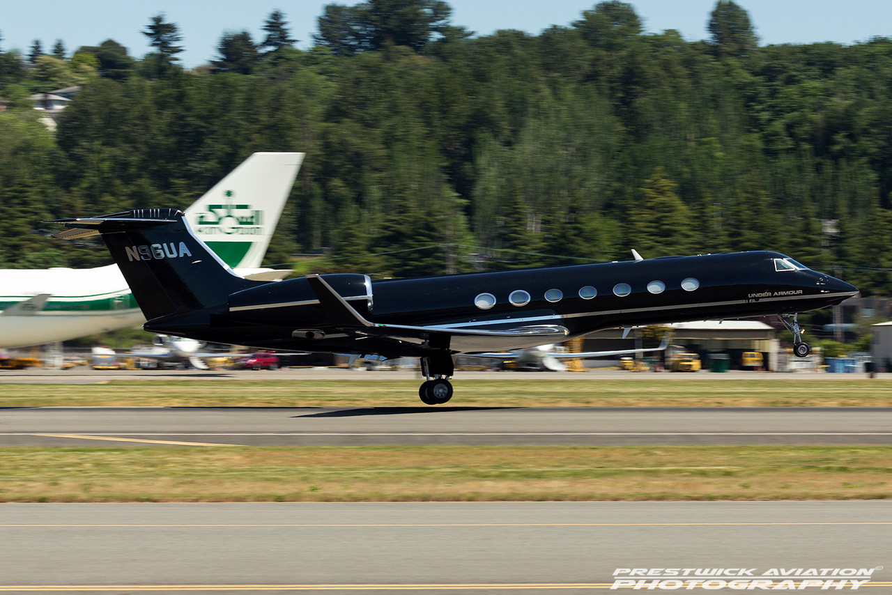 N96UA. Gulfstream Aerospace GV-SP. Private. Boeing Field. 120516.