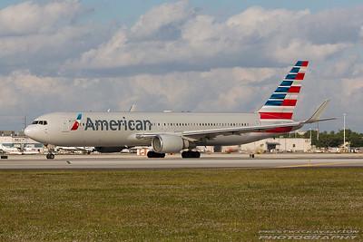 N388AA. Boeing 767-323(ER). American Airlines. Miami. 271116.
