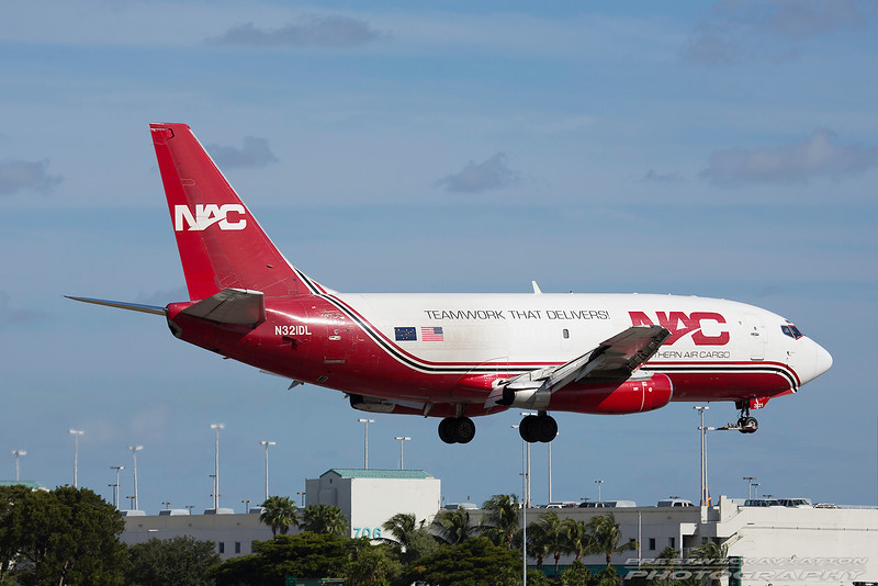 N321DL. Boeing 737-232(Adv)(SF). Northern Air Cargo. Miami. 261116.