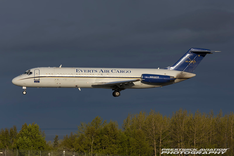N932CE. McDonnell Douglas DC-9-33CF. Everts Air Cargo. Anchorage. 100516.
