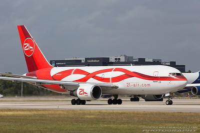 N999YV. Boeing 767-241(ER)(BDSF). 21 Air. Miami. 281116.