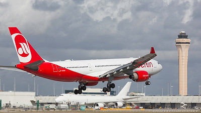 D-ABXB. Airbus A330-223. Air Berlin. Miami. 281116.