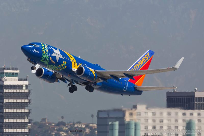 N727SW. Boeing 737-7H4. Southwest. Los Angeles. 250916.