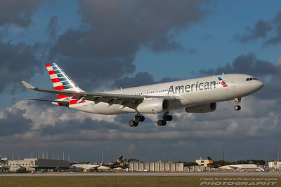 N287AY. Airbus A330-243. American Airlines. Miami. 281116.