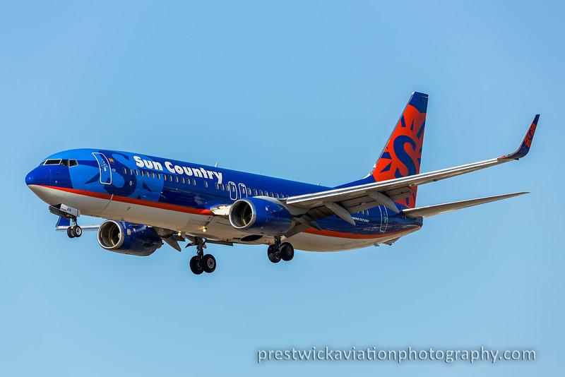 N818SY. Boeing 737-8BK. Sun Country. Los Angeles. 160915.