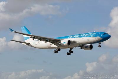 LV-FVH. Airbus A330-202. Aerolineas Argentinas. Miami. 281116.