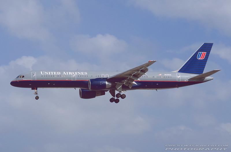 N525UA. Boeing 757-222. United. Los Angeles. September. 1997.