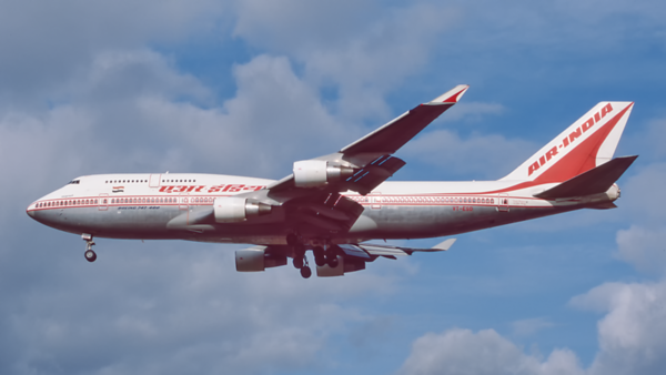 VT-ESO. Boeing 747-437. Air India. Heathrow. October. 1998.
