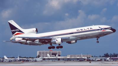 N789DL. Lockheed L-1011-385-1 TriStar 1. Delta. Miami. February. 1996.
