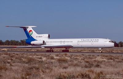 EY-85251. Tupolov Tu-154M. Tajikistan Airlines. Sharjah. December. 1998.