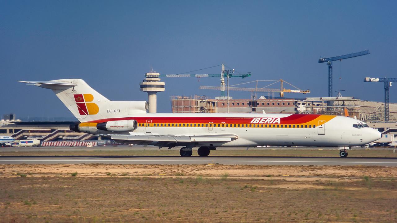 EC-CFI. Boeing 727-256/Adv. Iberia. Palma. August. 1995.