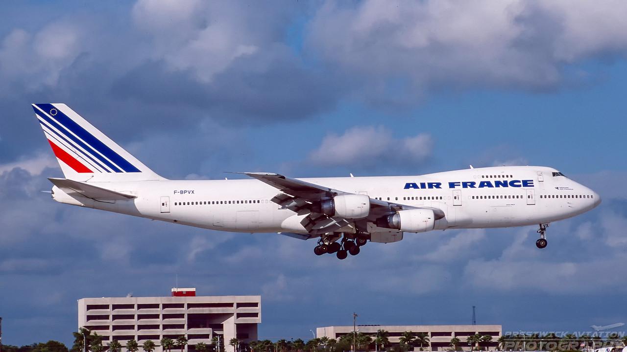 F-BPVX. Boeing 747-228B(M). Air France. Miami. December. 2000.