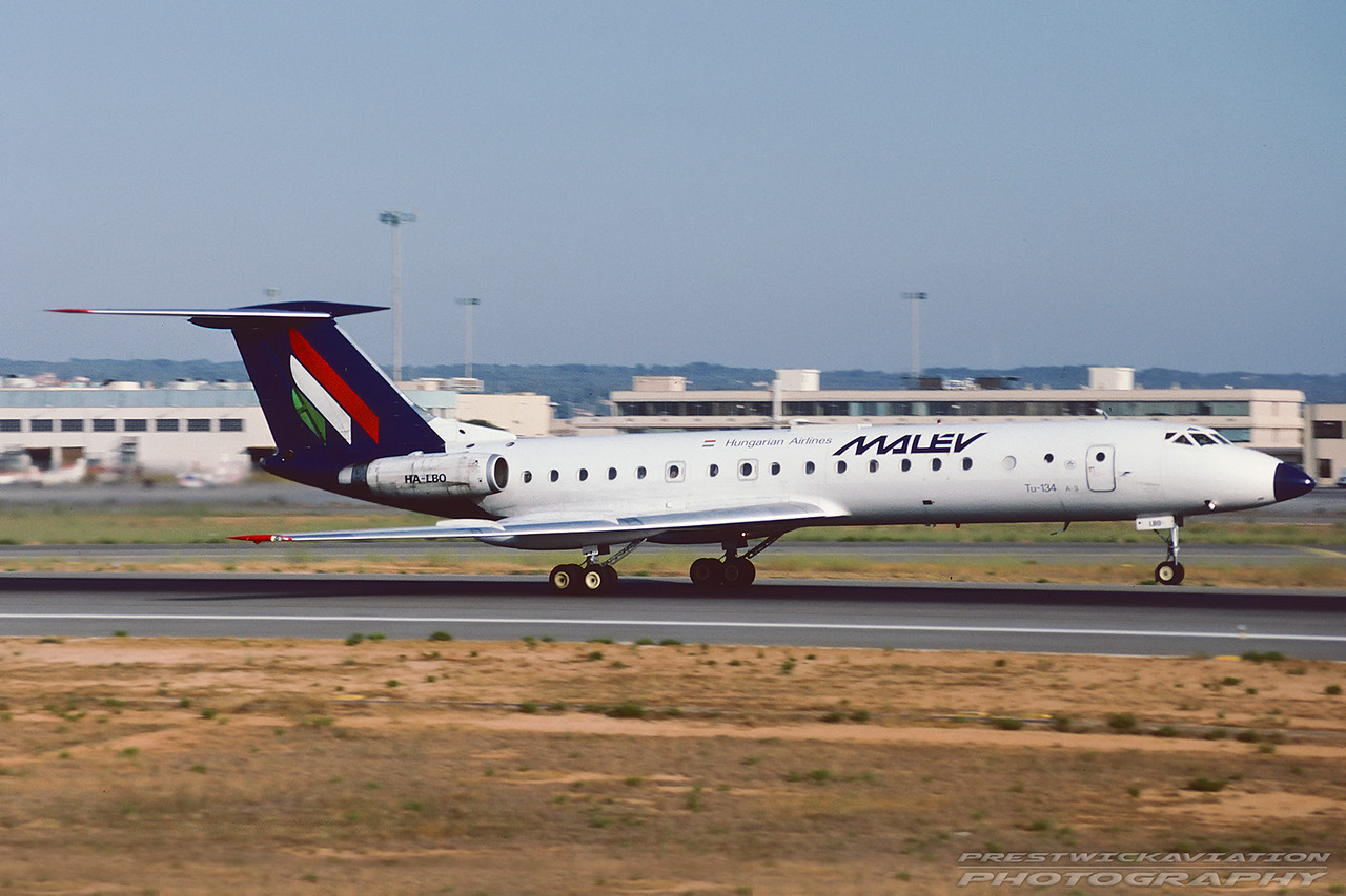 HA-LBO. Tupolev Tu-134A-3. Malev. Palma. August. 1998.