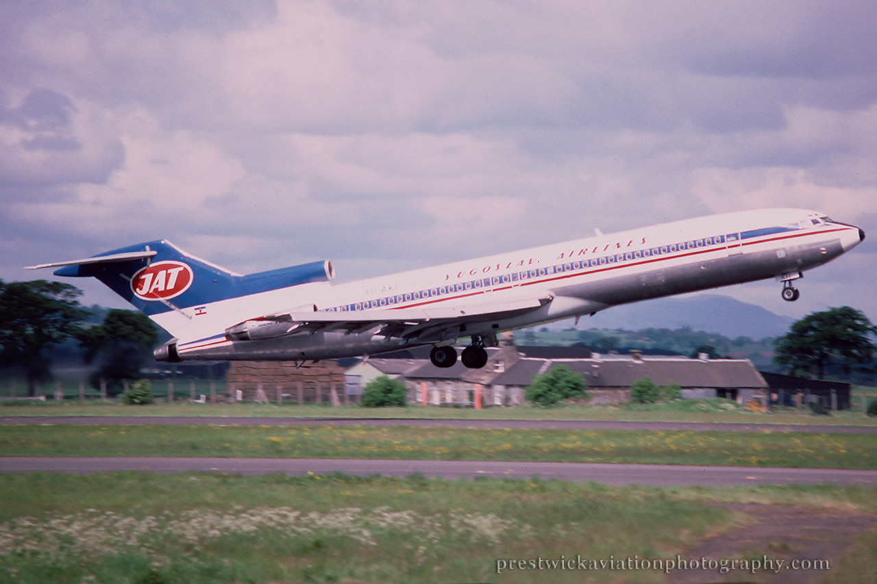 YU-AKI. Boeing 727-2H9/Adv. JAT. Glasgow. May 1988.