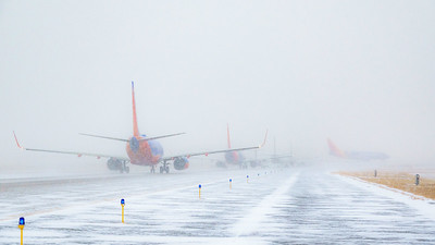 012621_airfield_southwest_united_winter-007