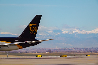 102820_airfield_cargo_ups-003