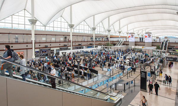 050721_jeppesen_terminal_great_hall-046
