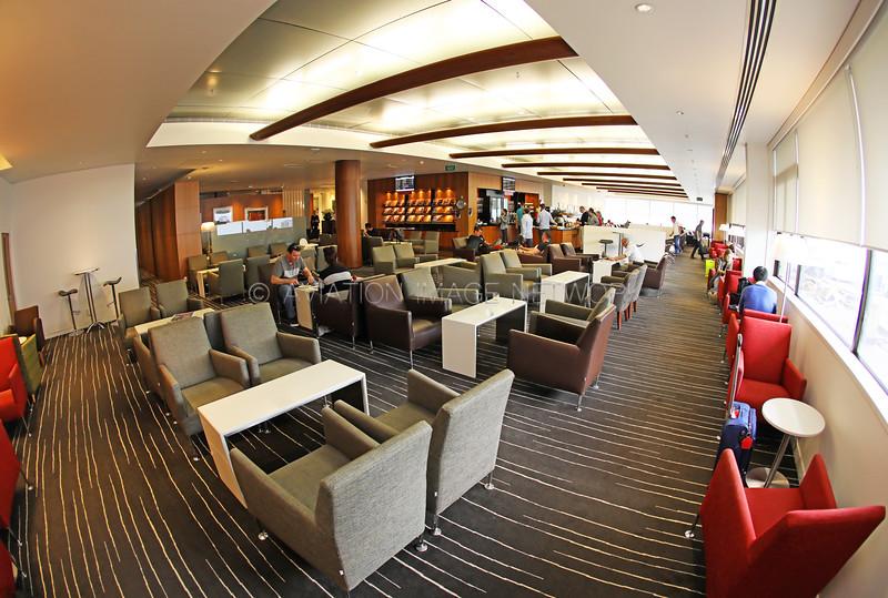 Auckland International Airport Qantas Oneworld Business Lounge