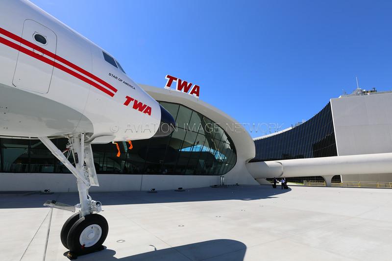 N8083H | Lockheed L1649A Starliner | Trans World Airlines (TWA) Hotel